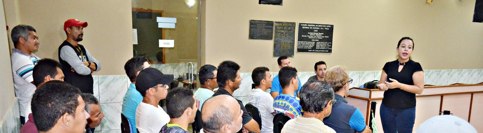 Em Reunião Taxistas Buritienses Discutem Questões Relativas à Categoria